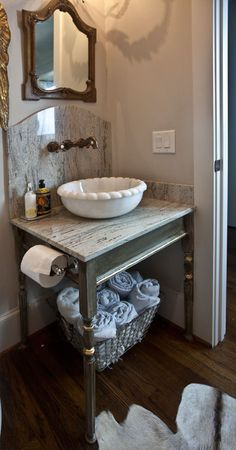 How to properly use gold leaf in decorating | Painted vanity with gold leaf trim | Cedar Hill Farmhouse
