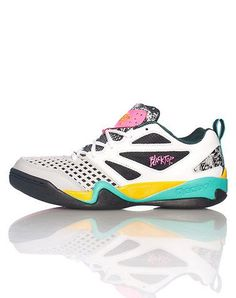 uk availability 3d622 84bd0 REEBOK Low top sneaker Lace up closure Padded tongue with REEBOK logo  Cushioned inner sole for comfort Leather material throughout