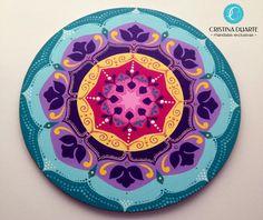 Mandala tinta acrílica em mdf by cristina duarte www. Mandala Doodle, Tangle Doodle, Mandalas Painting, Mandalas Drawing, Elefante Hindu, Boho Chic Bedroom, Magic Design, Spiritual Symbols, Diwali Decorations
