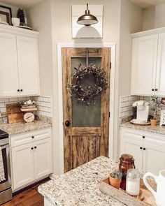 – A Tennessee gal with a love of all things vintage, farmhouse, and DIY - country kitchen farmhouse Farmhouse Remodel, Farmhouse Kitchen Decor, Kitchen Redo, Home Decor Kitchen, Home Kitchens, Kitchen Pantry Doors, Cottage Kitchens, Country Farmhouse Kitchen, Rustic Pantry Door