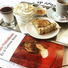 Péché de gourmandise #cafegourmand #lecture French Toast, Breakfast, Paris, Food, Reading, Meal, Eten, Meals, Morning Breakfast