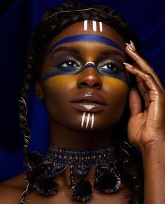 Tribal Makeup Dark Skin Woman of Color Editorial Pin: Amerisha Beauty African Tribal Makeup, Tribal Hair, African Beauty, African Fashion, Makeup Inspo, Makeup Art, Makeup Inspiration, Eye Makeup, Makeup Tips
