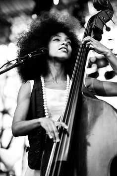 Esperanza Spalding. Girls got some funk.