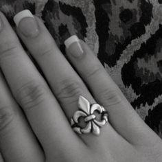 Fleur De Lis Ring #FleurDeLis #JamesAvery
