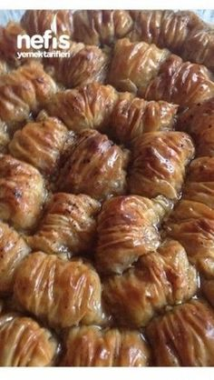 10 Minuets : Dagilan Burma Baklava in the Garden Cake Recipe Using Buttermilk, Turkish Recipes, Ethnic Recipes, Turkish Sweets, Good Food, Yummy Food, Delicious Recipes, Middle Eastern Recipes, Bon Appetit