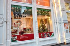 holiday windows/ VMSD's February 2013 issue