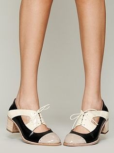 Loving these shoes - I think you need a certain look to pull the off, but lovely! Jeffrey Campbell Gatsby Oxford