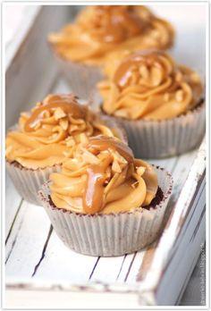 Dreierlei Liebelei: Erdnussbutter-Karamell-Brownies für Rebecca + Gewinner