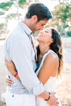 Boho moments: http://www.stylemepretty.com/destination-weddings/2015/09/09/romantic-spanish-sunset-engagement-session-in-ibiza/ | Photography: Ana Lui - http://www.analuiphotography.com/