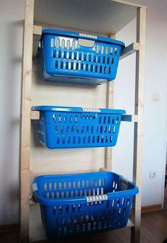 Wäschekorb-Regal
