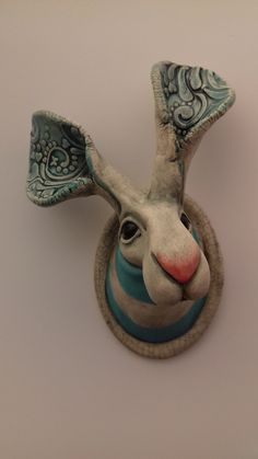 Image of wall hare in stripes Pottery Animals, Ceramic Animals, Clay Animals, Ceramic Wall Art, Ceramic Pottery, Pottery Art, Porcelain Ceramic, Slab Pottery, Ceramic Mugs