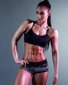 Stephanie davis Www.OnlyRippedGirls.Com #Fitness #Gym #FitnessModel #Health #Athletic #BeachGirl #hardbodies
