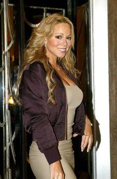 Stunning Women, Stunningly Beautiful, Mariah Carey Charmbracelet, Mariah Carey Butterfly, Christina Ag, Maria Carey, Mariah Carey Pictures, Female Stars, Female Singers