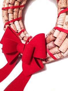 DIY christmas wreath ideas cork wreath red bow cristmas crafts