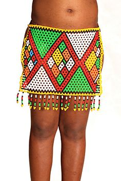 Zulu Modern Maiden's Skirt - Shapes and styles have changed through times and this is a very new shape for a girl's skirt. Beadwork, Beading, African Art Paintings, African Accessories, Baby Rooms, Zulu, African Beauty, Mini Skirts, Shapes