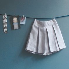 Jupe à plis plats fillette Patron couture gratuit - Skirt Patterns Sewing, Sewing Patterns For Kids, Box Pleated Dress, Sewing Online, Diy Vetement, Straight Skirt, Free Sewing, 6 Years, Tutu