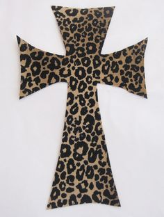 Crosses with leopard oh goodness Leopard Spots, Leopard Animal, My Animal, Safari Home Decor, Jesus On The Cross, Wall Crosses, Cross Designs, Leopards, Wild Child