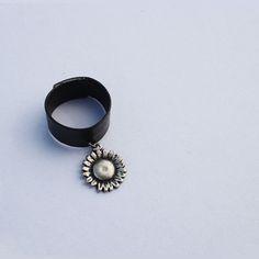 leather flower ring  designer custom jewelry bland 'AUGUST ALICE' / hompage:  www.augustalice.com  / naver blog :  http://blog.naver.com/leesdaum  face book:  https://www.facebook.com/pages/AUGUST-ALICE/1480821305483839?ref=bookmarks