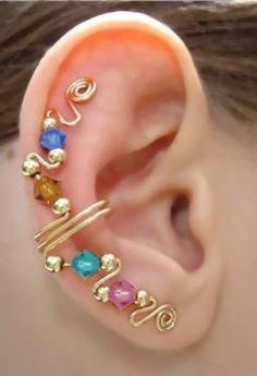 Ear wraps - don't even need pierced ears for them  Great idea  From Dalatroucreations