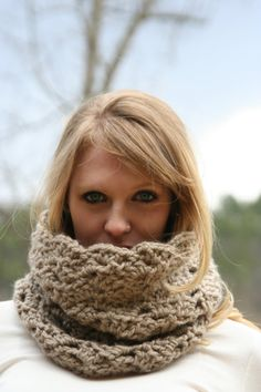 Hey, I found this really awesome Etsy listing at https://www.etsy.com/listing/90202486/chunky-cowl-scarf-crochet-loop-neck