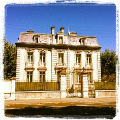 French building, shabby chic, architecture