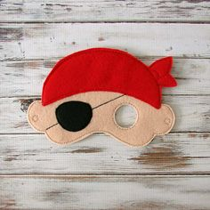 Pirate Mask - Felt - Kids Mask - Costume - Dress Up - Halloween - Pretend Play from AnnsCraftHouse on Etsy. Pirate Theme, Pirate Party, Felt Animals, Animals For Kids, Felt Kids, Felt Mask, Kids Dress Up, Halloween Masks, Halloween Juegos