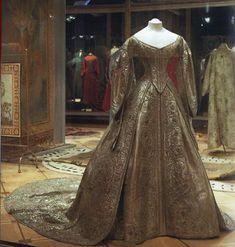 Коронационное платье императрицы Марии Александровны