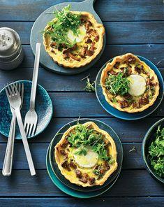 Pfifferlinge: Rezepte für Pilzfans | BRIGITTE.de Strudel, Canapes, Mushroom Recipes, Finger Foods, Vegetable Pizza, Salads, Brunch, Stuffed Mushrooms, Food And Drink