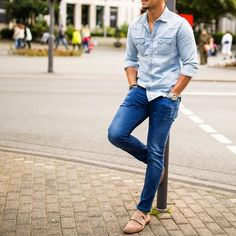Daily inspiration: the perfect blend of Men's Classic and Street Style. by @Marcos.DeAndrade - 📩 contact@RoyalFashionist.com [ Download Our App 📲 ]