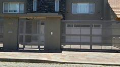 entrada individual Loft Design, Garage Doors, Outdoor Decor, Home Decor, Stage, Google, Ideas, Home, Aluminium Windows