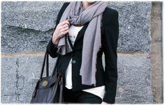 outfit divaaniblogit.fi/vaaleanpunainenhirsitalo