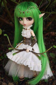 Wonderful Dolls c'est l'une des plus belle custo que j'ai vue !! ^^