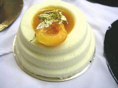 An apricot and pistachio entrement