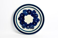 ARABIA Anemone near MINT blue and white porcelain large serving platter / Vintage collectible / Scandinavian modern mid century modern by VintageDesignTreats on Etsy
