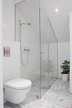 Attic/slanted ceiling shower
