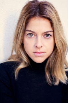 Victoria MONFORT- Fiche Artiste  - Artiste interprète - AgencesArtistiques.com : la plateforme des agences artistiques