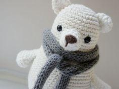 Tutoriales DIY: Cómo hacer un oso de peluche de amigurumi vía DaWanda.com