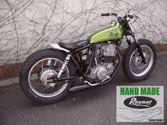 Yamaha Sr400, Yamaha Motorcycles, Cars And Motorcycles, Tw 125, Sr 500, Old Scool, Moto Car, Street Tracker, Old Bikes