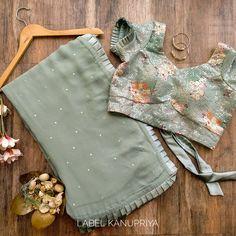 Simple Blouse Designs, Stylish Dress Designs, Saree Blouse Neck Designs, Stylish Blouse Design, Choli Designs, Indian Fashion Dresses, Indian Designer Outfits, Sonakshi Sinha, Happy Diwali