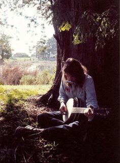I want to be sitting under this tree in the sun (Neil Young circa 70's)