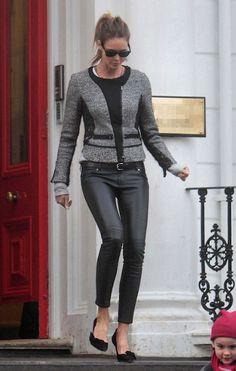 Elle macpherson é modelo e empresária de sucesso, linda aos 44 anos, Elle esbanja estilo em todos os lugares que freqüenta, seja para busca...