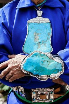 Holy turquoise! I wouldn't wear this but it certainly is interesting to see something like this