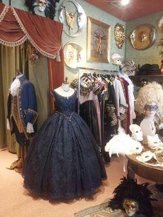We are near San Marco square in Venice: come to visit  More info: http://marega.it/en/discover-our-shops-in-venice-fondamenta-osmarin/
