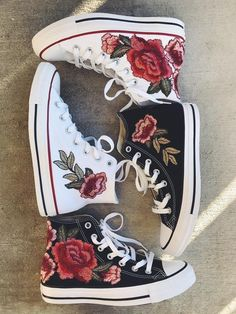 Rose embroidered hi top converse-shoes included in price Gorgeous Rose embroidered high top converse. Price includes cost of shoes. I do not accept returns for these shoes. Please make sure you have the correct size. Converse Outfits, Converse Rose, Mode Converse, Hi Top Converse, Converse Sneakers, Converse Tumblr, Emo Outfits, Canvas Sneakers, Summer Outfits