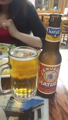 Hatuey, cuban style Amarga a la lengua, no dejaal sabor al paladar, clara, refrescante. Repetir: quizá