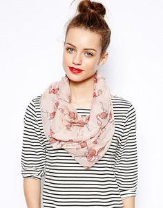 New Look | New Look - Écharpe-tube motif flamants roses chez ASOS