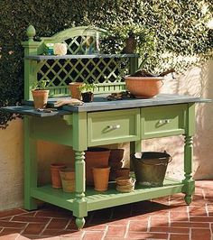 Our Caroline Potting Bench blends elegant design with functional convenience to create an attractive and useful addition to a patio, garden, or greenhouse.