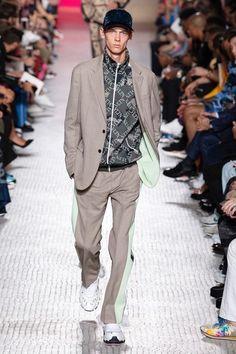 Valentino Spring 2019 Menswear Fashion Show Collection