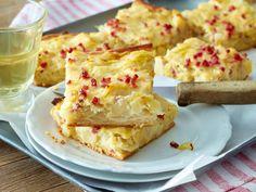 Unser beliebtes Rezept für Saftiger Zwiebelkuchen und mehr als 55.000 weitere kostenlose Rezepte auf LECKER.de.