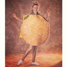 Even the burgers looked better in the 80s #TBT #halloween #halloweencostume #80s #iheartthe80s #burgercostume #burger #hamburger #dancingburger #burgerlove #burgerporn #whitesneakers #burgerists